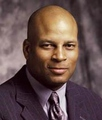 Photo of Ronnie Lott