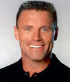Photo of Howie Long